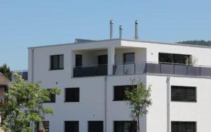 Schachtkamin integriert in Fassade
