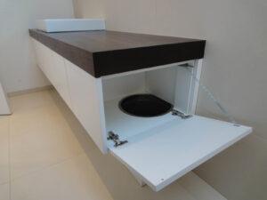 WA in Badezimmermöbel integriert